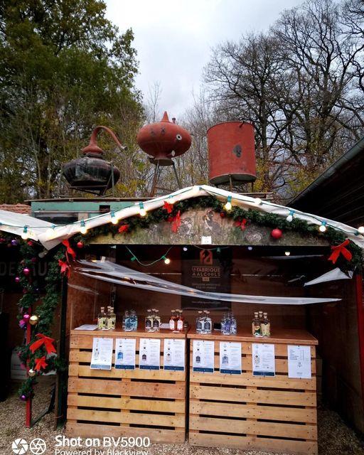 La Fabrique à Alcools est au Marché De Noël de Janvry.